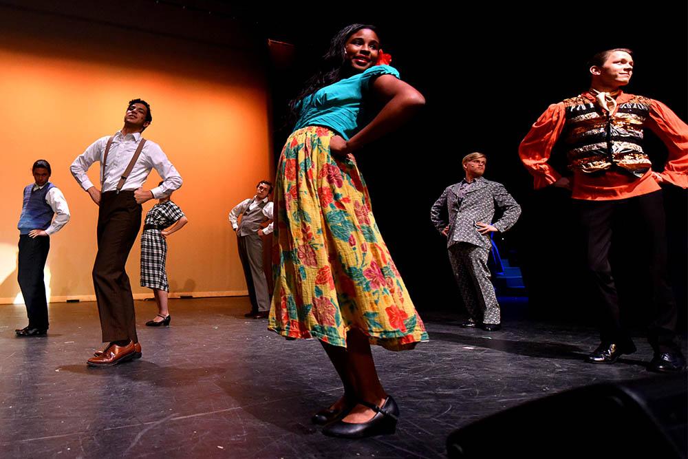 Dancing Production at CF